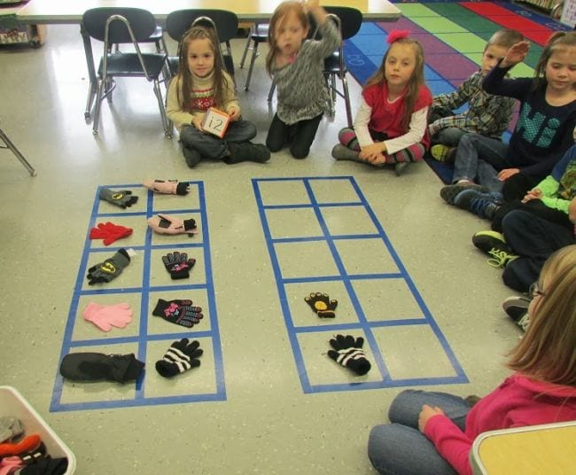 10 Frame Activities Kindergarten Holding Hands and Sticking Together