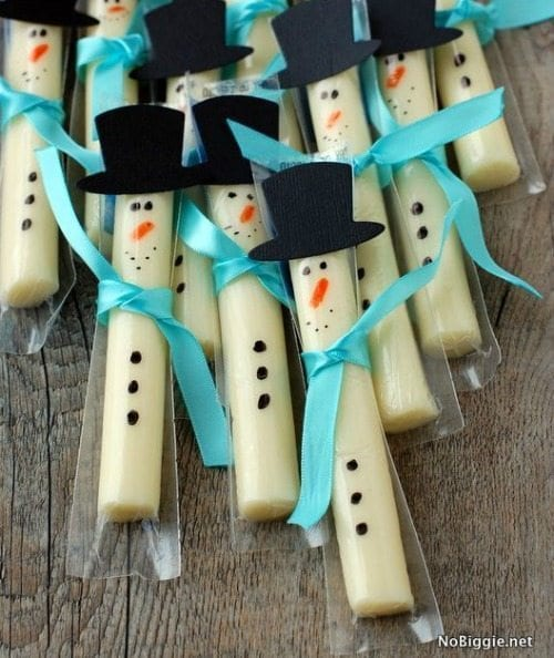 Gift_String-cheese-snowmen-25-Healthy-Holiday-Snacks-NoBiggie.net_