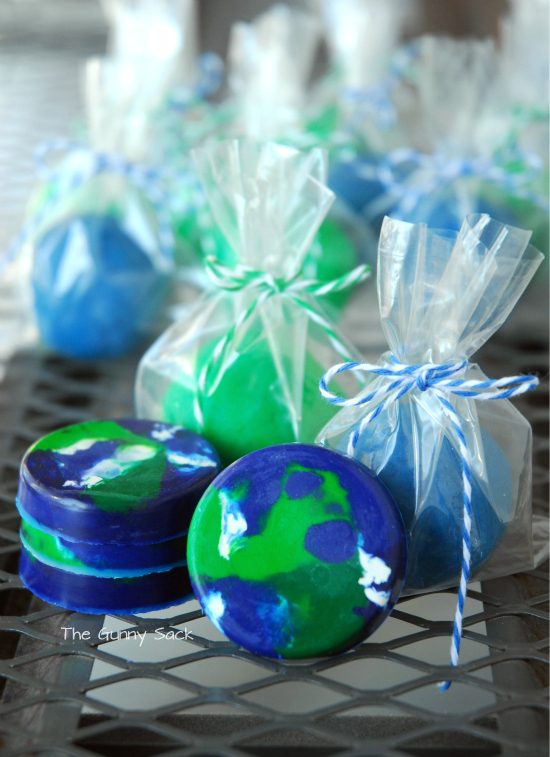 30 Earth Day Crafts With Recycled Materials - WeAreTeachers