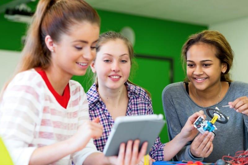8 ways to get more girls in STEM
