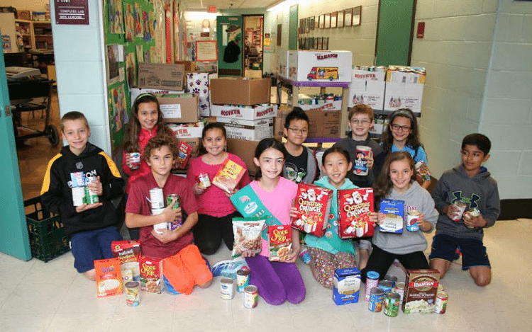 Students collect food for the hungry