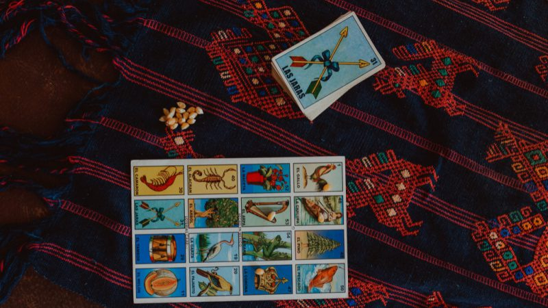 Loteria board and cards