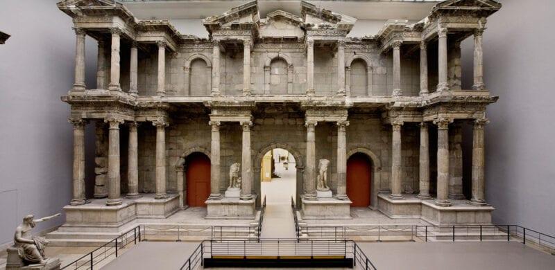 Pergamonmuseum exhibit