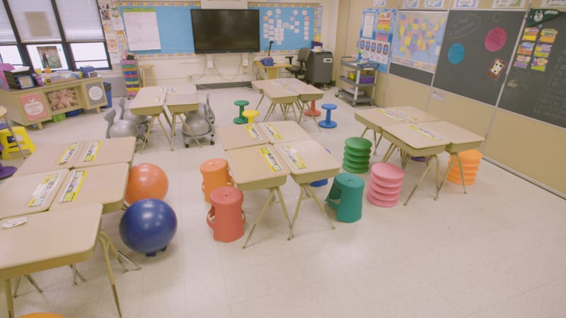 Flexible-Seating-Makeover-Classroom