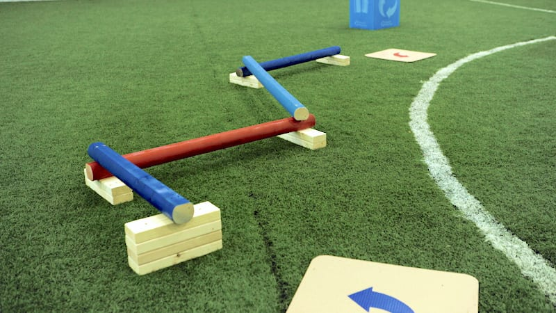 Obstacle_Course_Races_Balance_Beam