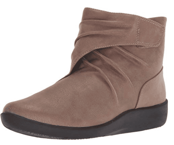 Clarks Boot in brown suede (Teacher Shoes)