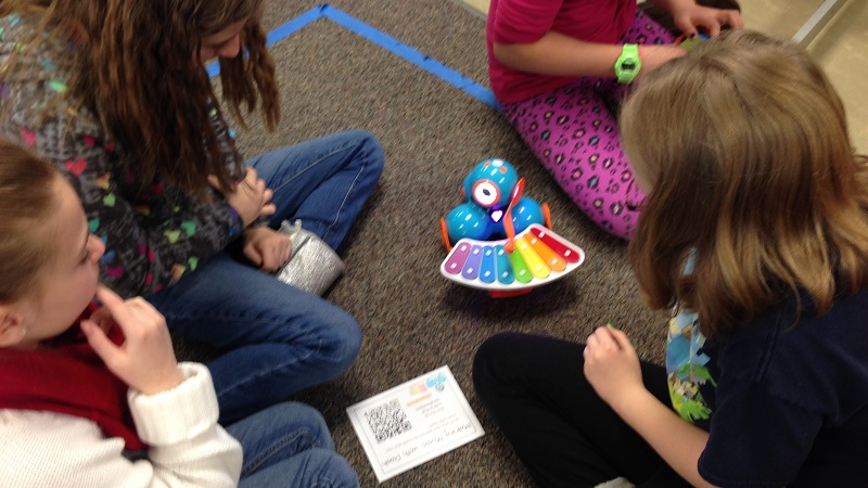 Coolest Ways Teachers Use Robots in the Classroom You Should Try Right Now