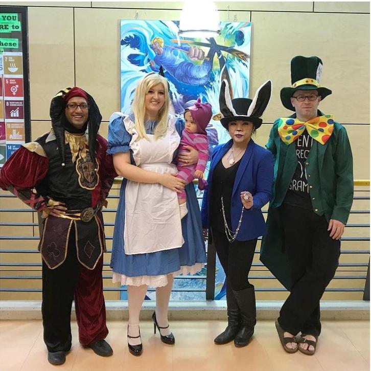 Alice Harikalar Diyarında Okulu Cadılar Bayramı