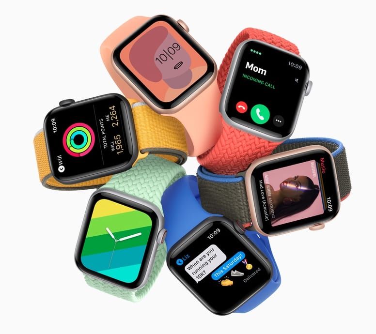Apple Watch -- best graduation gifts for students