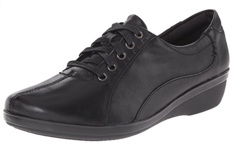 Clarks lace up shoes in black