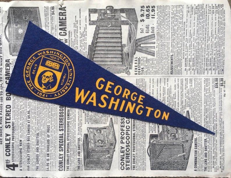 Custom pennant flag