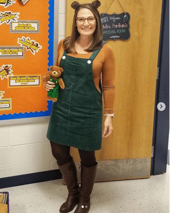 öğretmen için kadife ayı kostümü