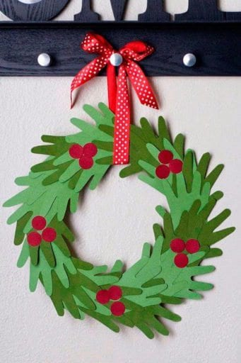 Easy Christmas Crafts for Kids to Do in the Classroom