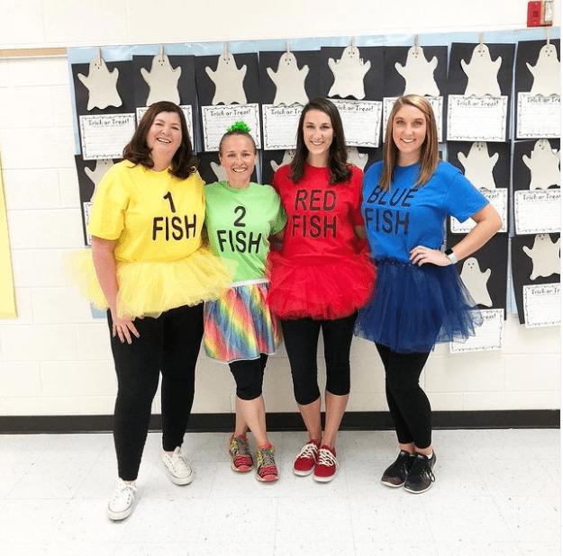 öğretmenler için kitaplara dayalı kostümler