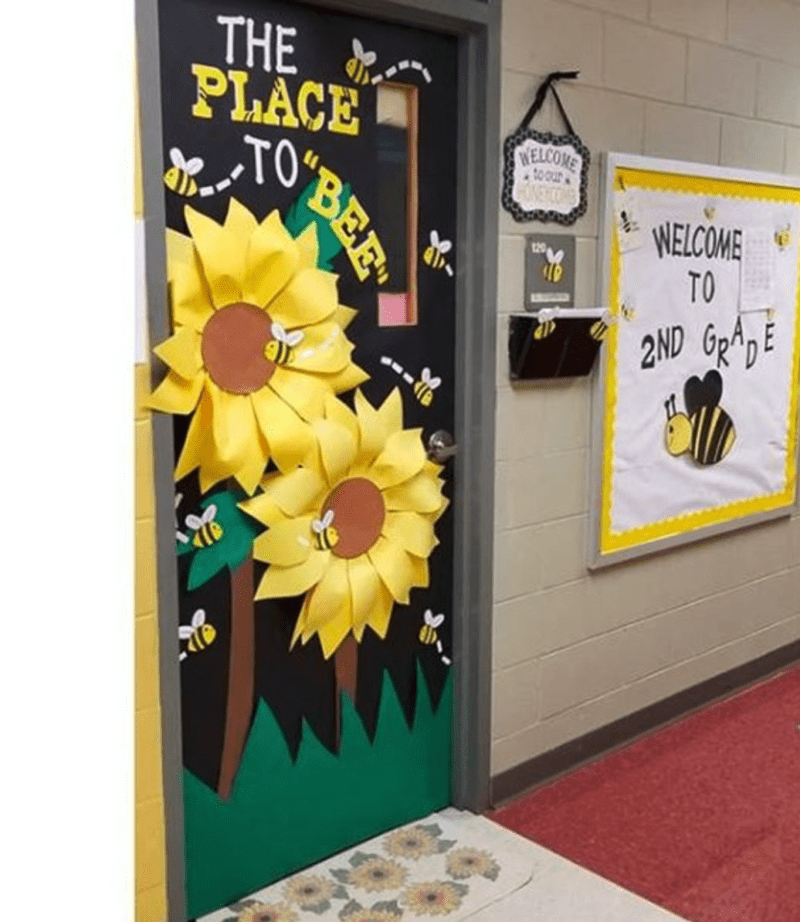 Door decor with bees and flowers
