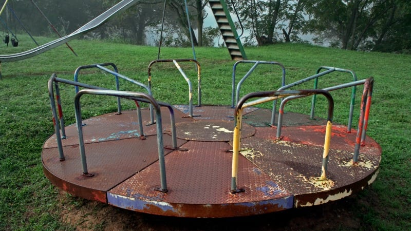 7 Playground Photos That Will Strike Fear In The Heart Of