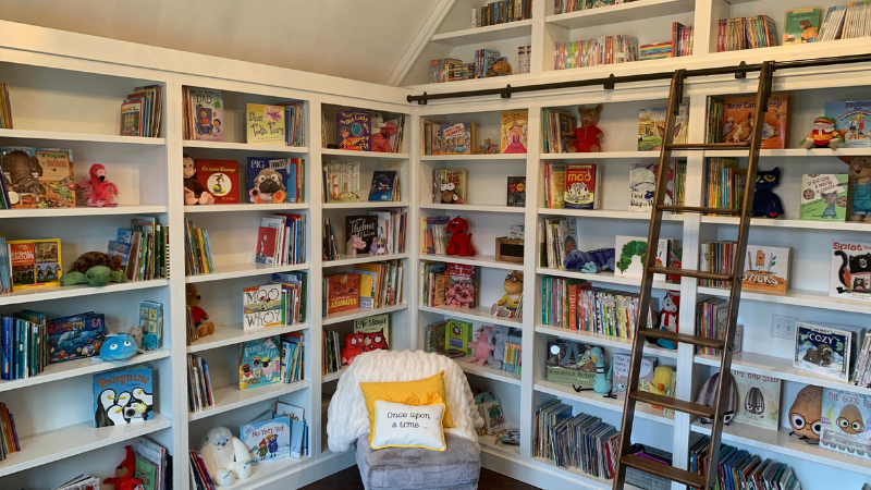 Teacher buys a children's library with her side hustle income