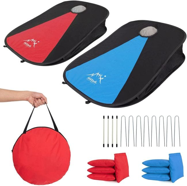 Collapsible cornhole game