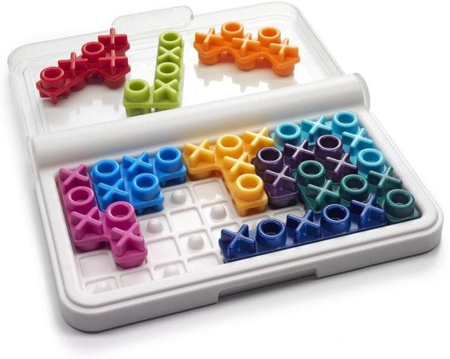 IQ XOXO logic game with xoxo pieces and carrying case (Travel Games for Kids)