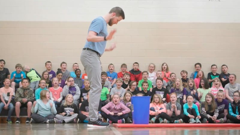 This Gym Teacher Uses Unbelievable Trick Shots to Teach Students an Important Lesson