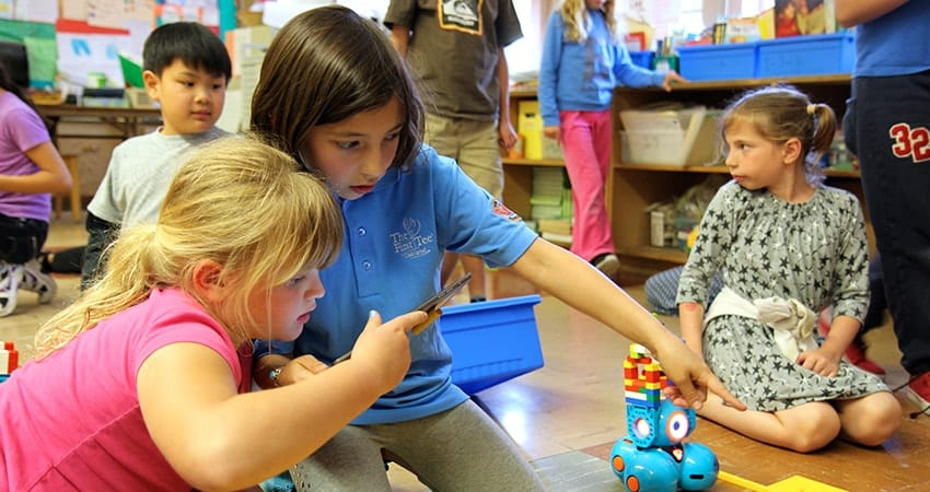 STEM Centers that Foster Creativity