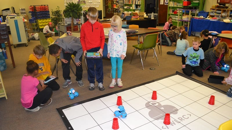 7 Robotics Projects to Try in the Classroom - WeAreTeachers